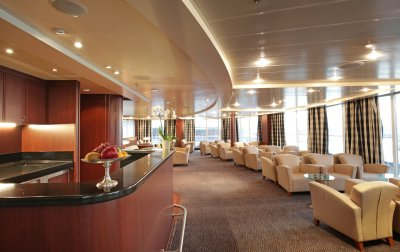 Silver Whisper's bar area