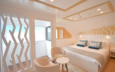 Matrimonial Balcony Suite Sea Star Journey