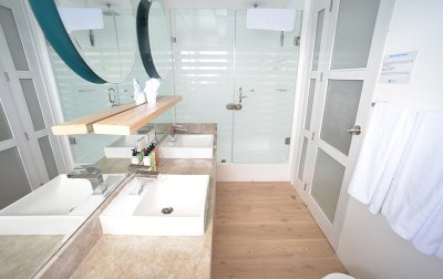 Suite Bathroom, Sea Star Journey